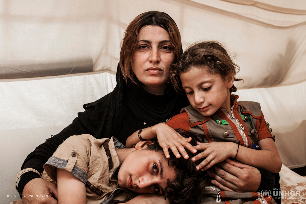 Iraq mother with her children